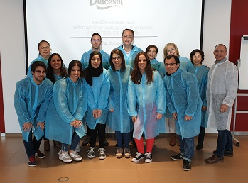 The students of the Master's Degree visit the Dulcesol Group